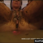 Girl Taking Very Kinky Scat Bath Showing Her Having An Enema And Washing Herself In Shit Water